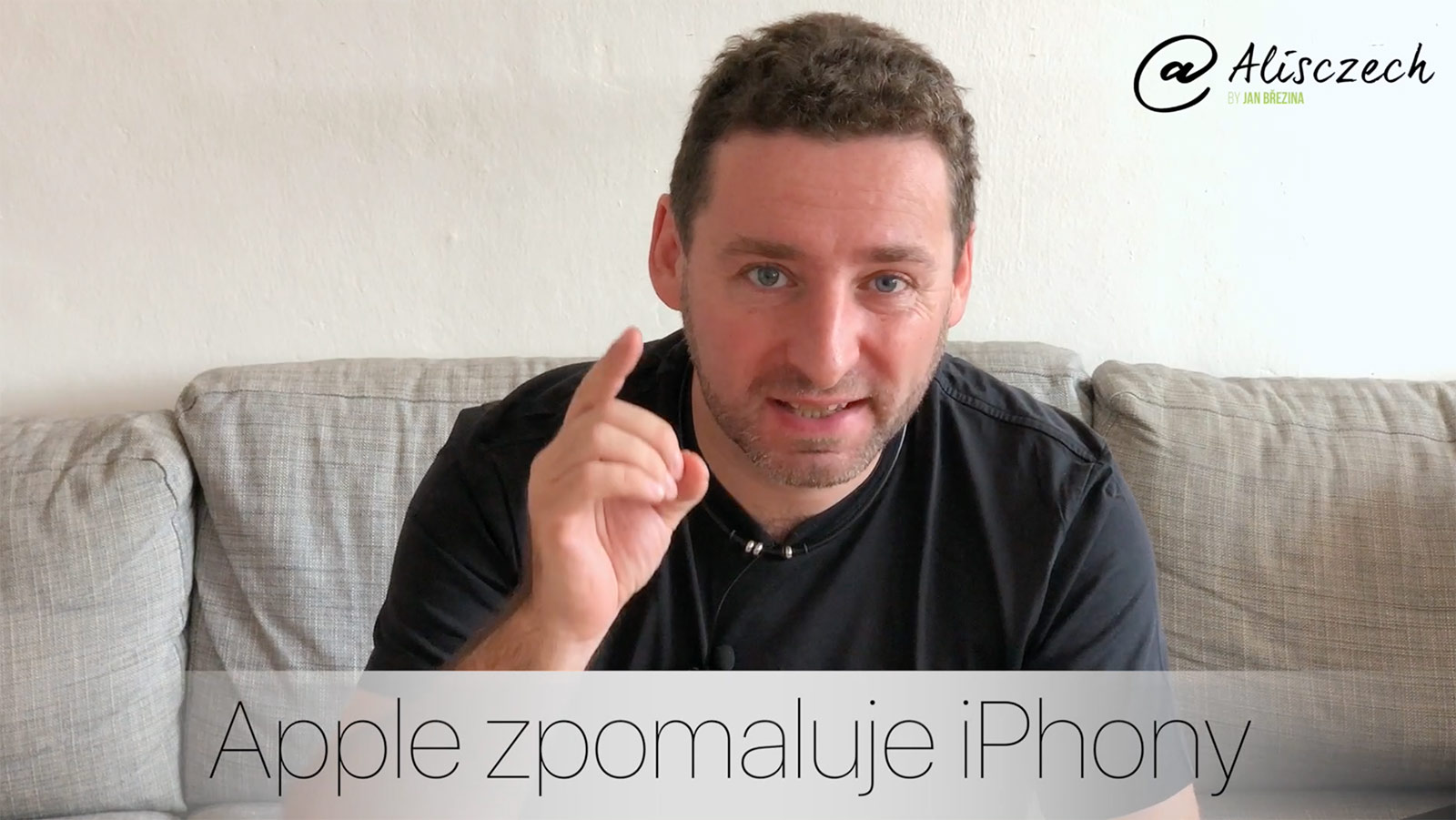 Zpomaluje Apple iPhony?